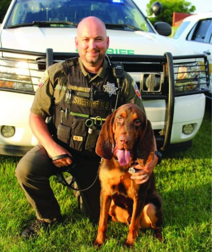Police K-9 Locates 6-Year-Old Girl & Her Kidnapper In Tennessee Wilderness