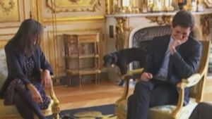 "France's First Dog Makes A Big ""Splash"" During A Palace Meeting"